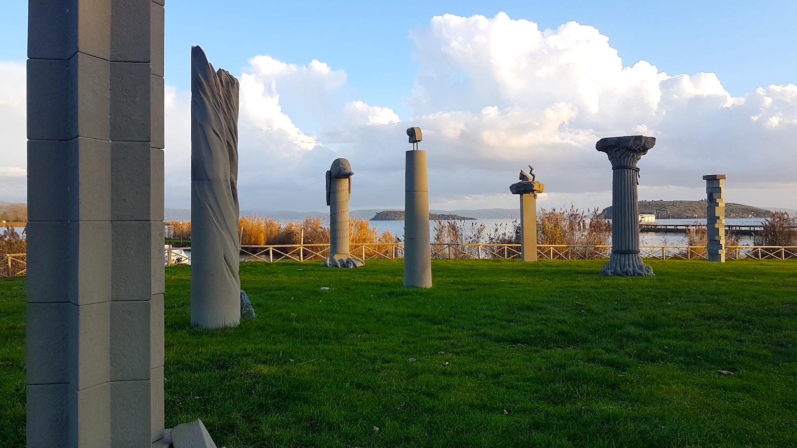 Trasiemno Tuoro sculture